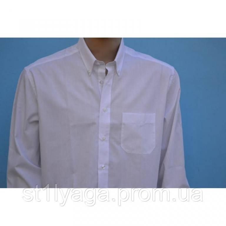 Белая классическая рубашка с длинным рукавом