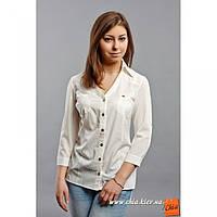 Блуза на застежке с рукавами три четверти молочный
