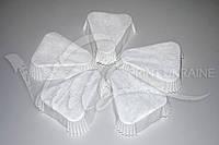 Треугольная бумажная форма белая