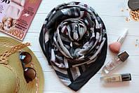 Женский шарф с абстрактным рисунком