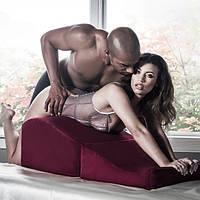 Меблі та фурнітура для сексу
