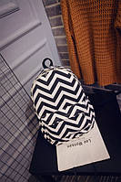 Черно-белый городской рюкзак зиг-заг