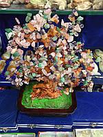 Дерево из асортимента камней