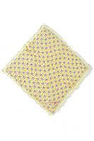 Модный платок желтого цвета