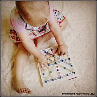 Геоборд BabyBro mini развивающая игрушка для самых маленьких деток 20х20см