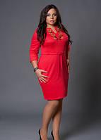 Красное женское платье с вышивкой
