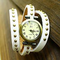 Часы-браслет винтажные на длинном кожаном ремешке