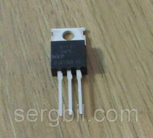 Симистор BT137-600Е - ТО-220  8А 600В