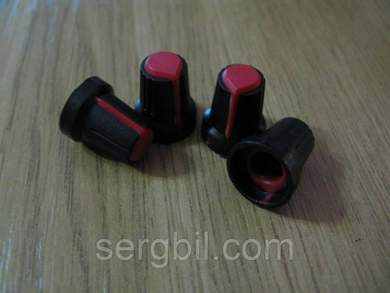 Ручка пер. резистора, вал d6mm. Внешн. разм. d15*L17 мм красная т.