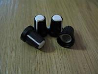 Ручка пер. резистора, вал d6mm. Внешн. разм. d15*L17 мм белая т.