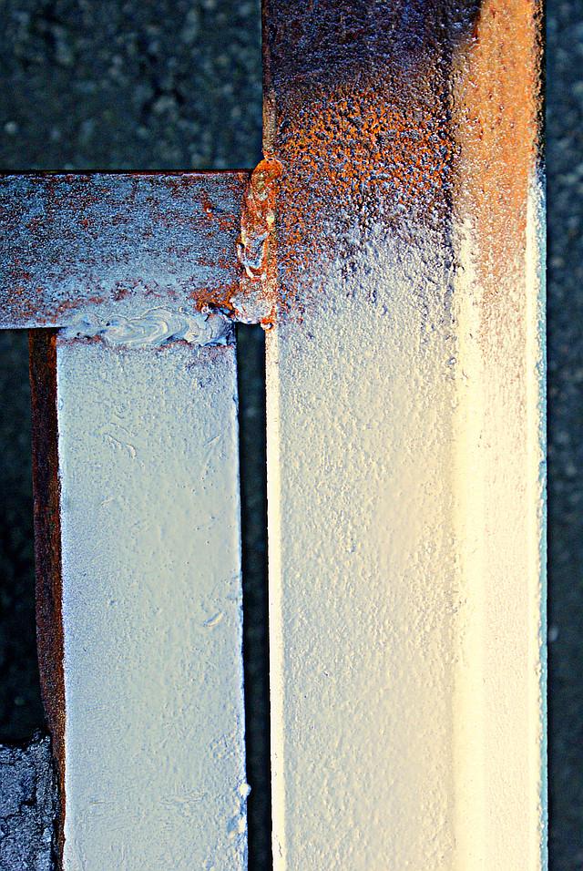 краска слоновая кость в баллончике, аэрозоле для метала, пластика, дерева, керамики