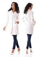 Женское красивое пальто на пуговицах