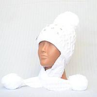 Белая зимняя шапка для девочки