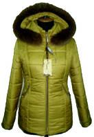 Яркая женская зимняя куртка с мехом
