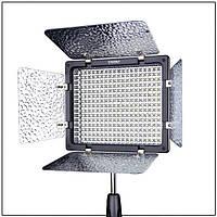 LED осветитель Yongnuo YN300-III 3200-5500K (постоянный свет) с сетевым адаптером