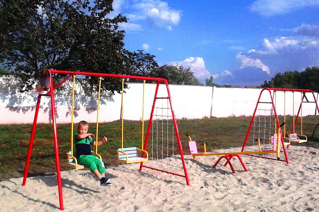 Детская площадка на базе отдыха.