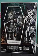 Кукла Фрэнки Штейн Черно-Белая Эксклюзив (Monster High Exclusive Black & White Frankie Stein Doll)