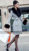 Пальто с мехом на рукавах и воротнике