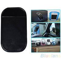 Антискользящий коврик для телефона в автомобиль (черный)