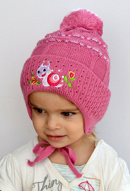 Вязаная шапочка для девочки 9 месяцев