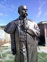 Памятник Т. Г. Шевченко. Металлизированная скульптура.