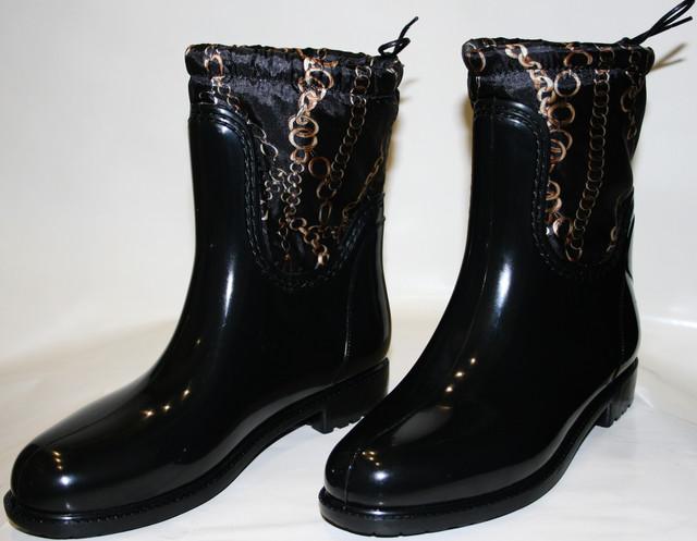 ff9faf3abd8 Мы предлагаем резиновые сапоги женские на не высоком каблуке черного цвета