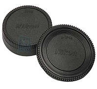 Задняя крышка для объектива Nikon с логотипом.