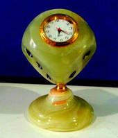 Часы Кубик из оникса 7см