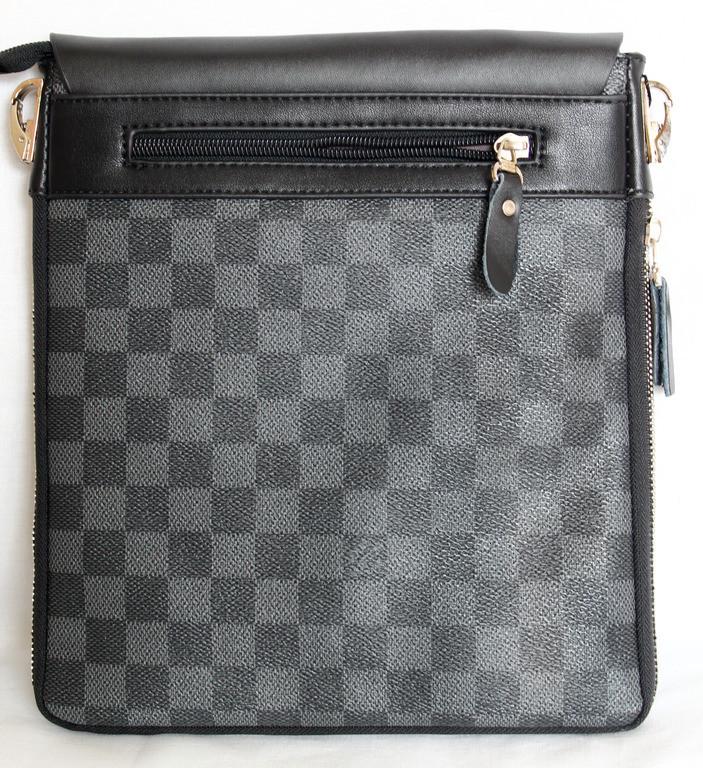bdf2a24473dd УЦЕНКА!!! Мужская сумка Louis Vuitton, черная с серым Луи Виттон ...