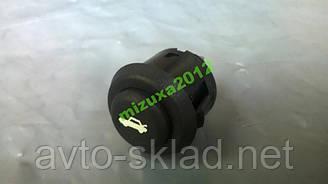 Кнопка Выключатель привода замка багажника 2110-12