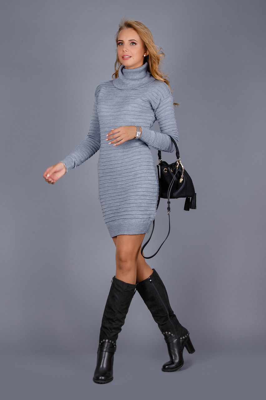 Теплое платье под горло