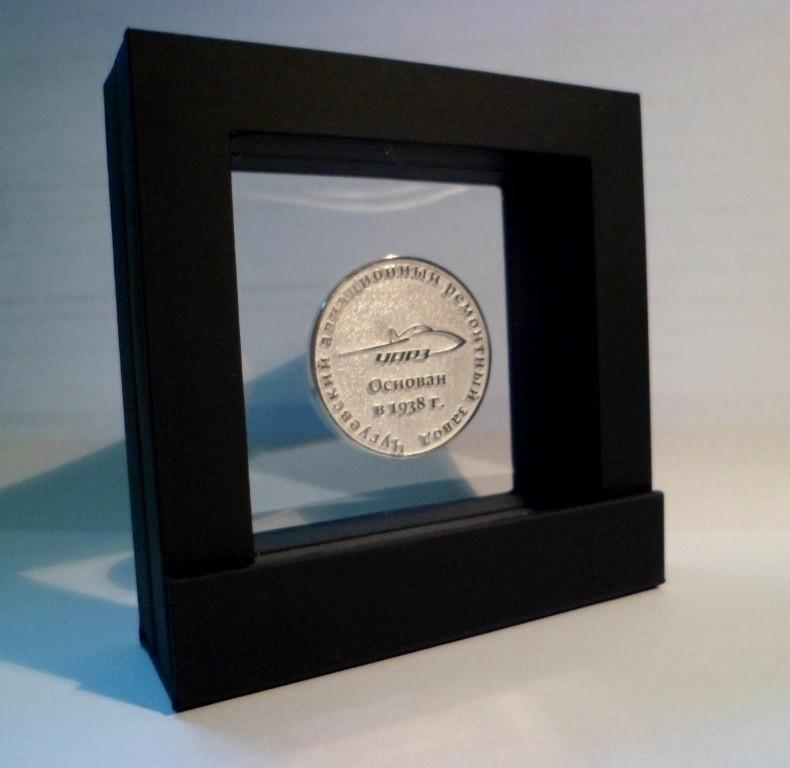 Монеты сувенирные, юбилейные из золота и серебра. 12