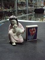 фарфоровая фигурка Гжель узбечка с ягненком