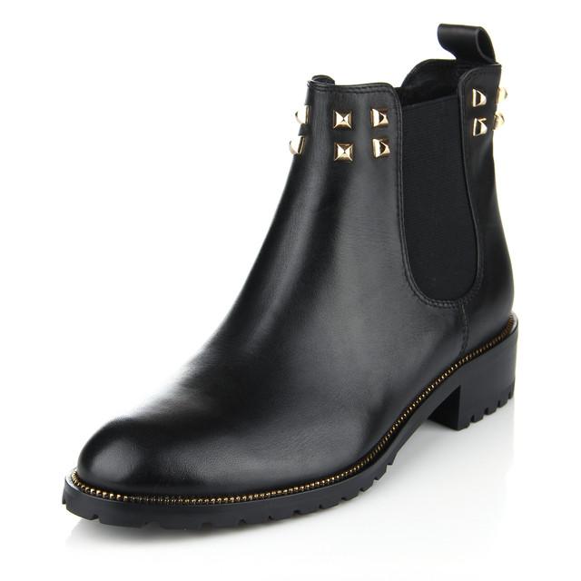 Женская обувь. Товары и услуги компании