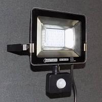 Прожектор светодиодный с датчиком движения 20W LED 6400K KODE:535654