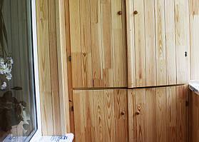 Встроенный шкаф от пола до потолка (дизайн шкафа выбирает заказчик).