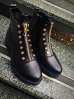 Стильные демисезонные кожаные ботинки