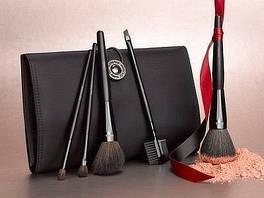 Аксессуары для макияжа и окрашивания волос