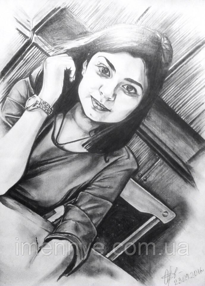 Красивый портрет на холсте карандашом