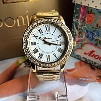 Стильные женские часы на руку с позолотой