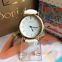 Белые наручные часы для женщин