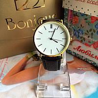 Красивые женские наручные часы