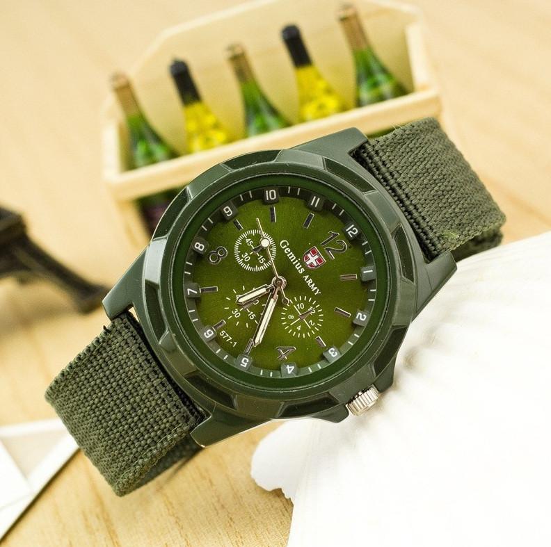 Военные мужские наручные часы зеленые