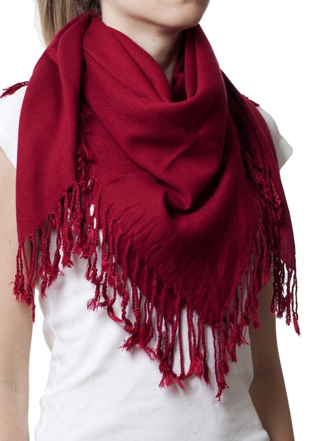Однотонный бордовый шерстяной платок 1