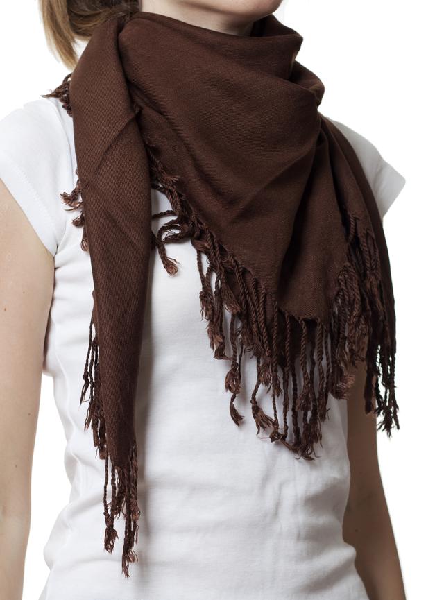 Однотонный коричневый шерстяной платок 1