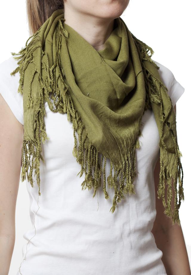 Однотонный оливковый шерстяной платок 1