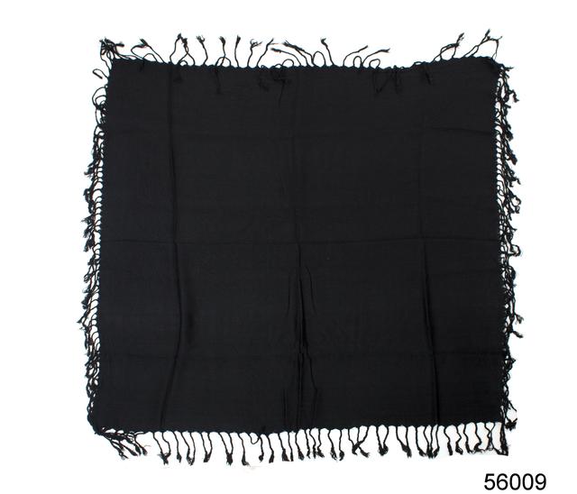 Однотонный черный шерстяной платок 4