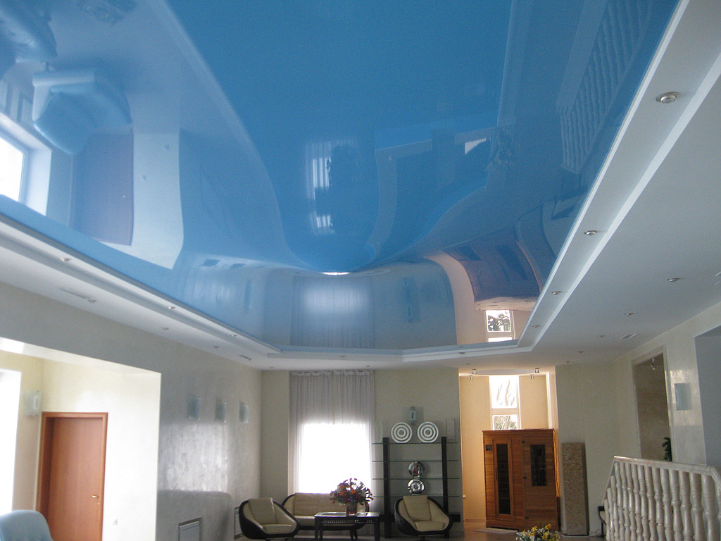 Установка натяжного потолка над чашей бассейна