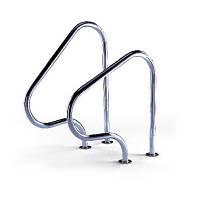 Лестница для бассейна из нержавеющей стали.