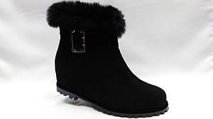 Черные замшевые  зимние ботиночки на танкетке. Erisses. Маленькие размеры.